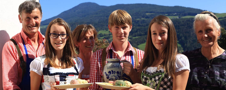 Familie Winkler vom Winklerhof Villanders