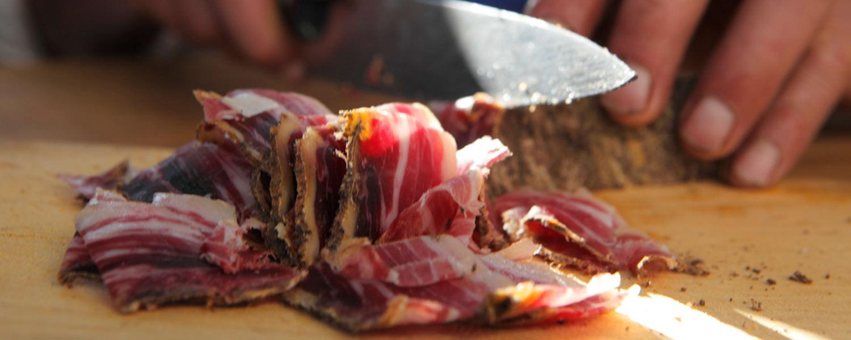 Fresco dalla nostra cantina – lo Speck è sicuramente la specialità più famosa dell'Alto Adige
