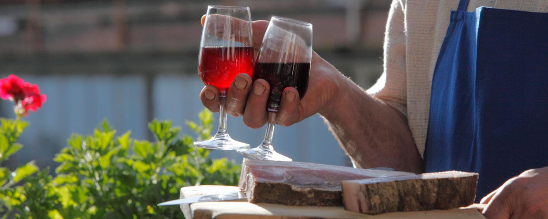 Sepck und Wein aus dem Keller vom Winkler Hof